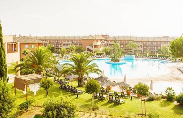 Book now at our holiday hotels and get up to 20% off stays between 21 June - 14 September. Aparthotel ILUNION Sancti Petri Chiclana de la Frontera